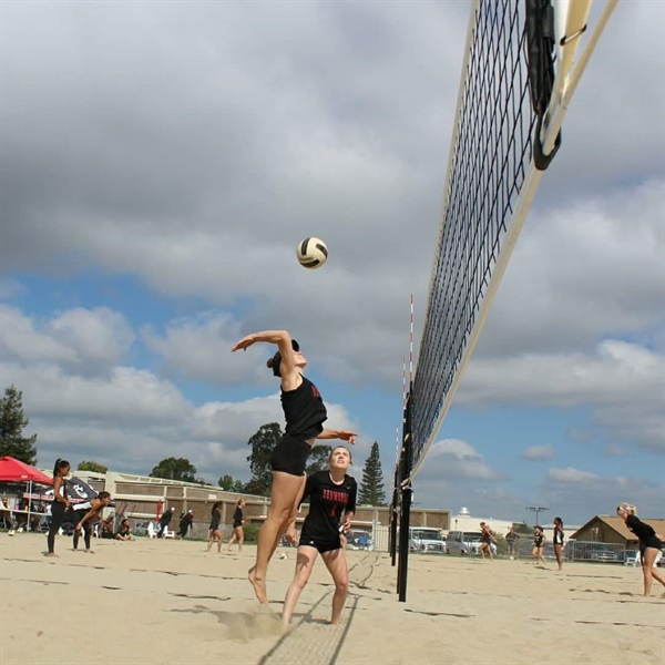 College of the Redwoods holds summer volleyball camps